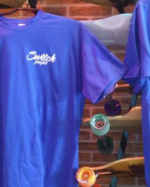 diseño de las nuevas camisetas de switch en el que se ha mezclado el logotipo actual con el anagrama antiguo. Asi todos contentos!!