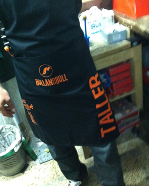 diseño y marcaje de los delantales para los talleres de rollandroll, switch people y requena bike shop